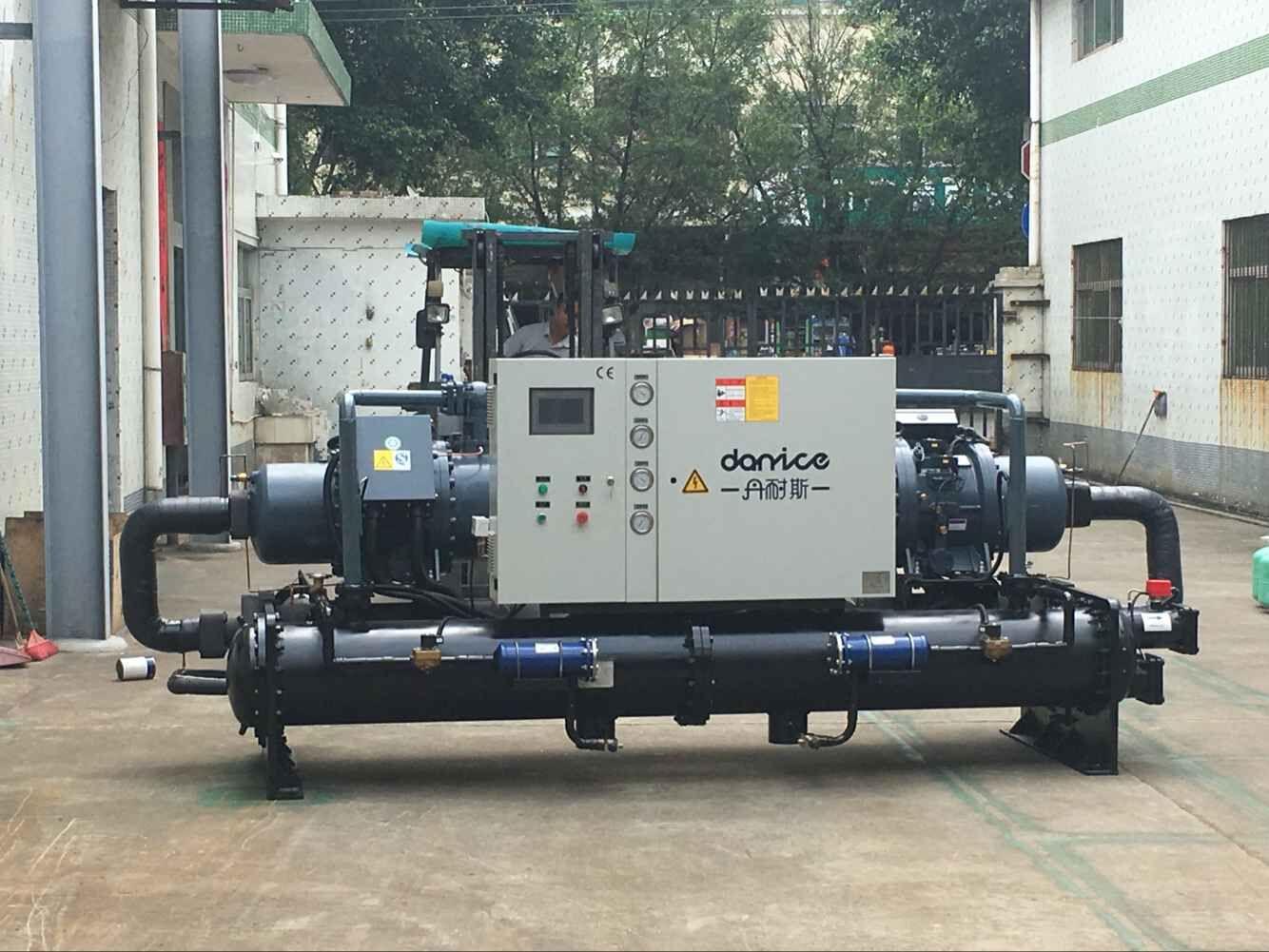 水冷式双机头螺杆冷冻机DNC-WDH系列